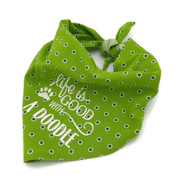 Bandana groen met donkergroene stippen